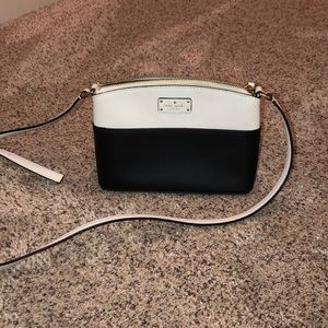 KATE SPADE SMALL CROSSOVER/ SHOULDER PURSE